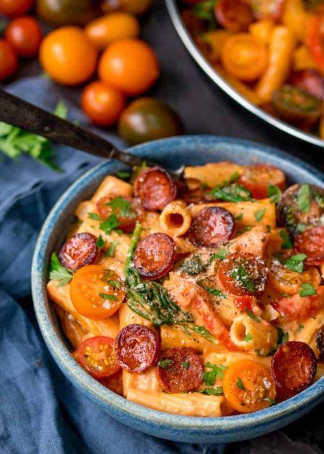 One Pot Creamy Tomato and Chorizo Rigatoni - Can be made vego