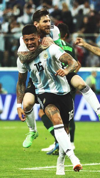 Messi Marcos Rojo Fotos De Futbol Seleccion Argentina De Futbol Futbol Argentino
