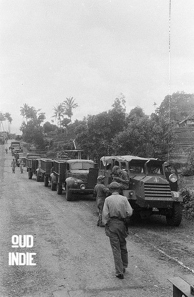 Konvoi Rtuk Militer Tentara Belanda Depan Truk Lapis Baja C15ta Garut 23 Oktober 1947 Na Indie Indisch Leger Militair