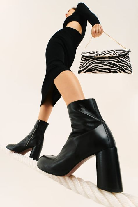 Heeled Leather Round Toe Ankle Boots
