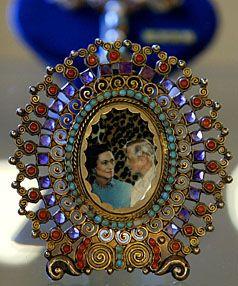 Wallis Simpson jeweled frame
