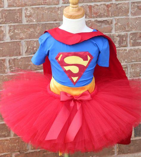 Disfraz de Superman con tutú para niñas DIY. Supergirl tutu costume DIY.
