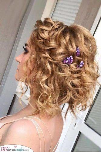Vibrant Flowers The Best Bridal Hair Accessories Hair Styles Medium Length Hair Styles Braids For Short Hair