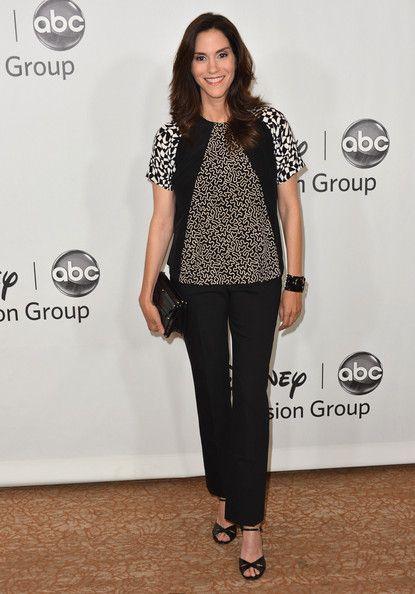 Jami Gertz Photos - Actress Jami Gertz arrives to the Disney ABC