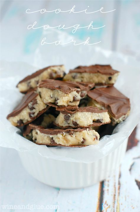Cookie Dough Bark | www.wineandglue.com | Deliciously addictive cookie dough in super easy bark form!
