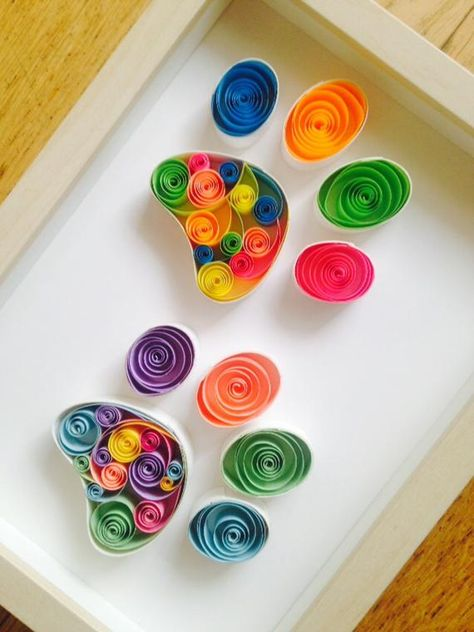 Unique colorful paper quilling art for any occasion! Paper Quilling Flowers, Neli Quilling, Quilled Paper Art, Paper Quilling Designs, Quilling Paper Craft, Paper Beads, Paper Crafts, Free Quilling Patterns, Paper Quilling For Beginners