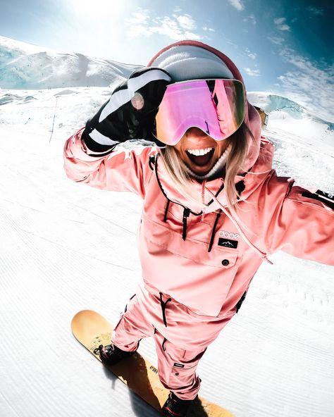 Snowboarding Outfit, Snowboarding Women, Colorado Snowboarding, Womens Snowboard Jacket, Snowboard Girl, Ski Girl, Ski Fashion, Sporty Fashion, Cross Country Skiing