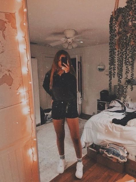 ℙ𝕚𝕟𝕥𝕖𝕣𝕖𝕤𝕥: ✰ 𝙰𝚞𝚍𝚛𝚎𝚢 ✰ – Outfit Inspiration & Ideas for All Occasions Cute Lazy Outfits, Teenage Outfits, Teen Fashion Outfits, Outfits For Teens, Girl Outfits, School Outfits, Stylish Outfits, Style Fashion, Fashion Tips