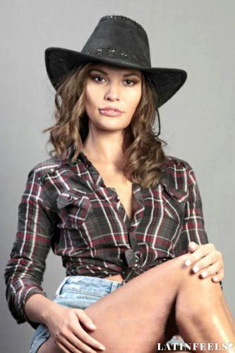 cowboy online dating gjøre Elena og Damon dating i det virkelige liv