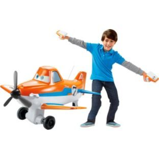 Take Dusty out for a spin with this fantastic remote controlled plane! Accelerate using a button and steer by tilting your arms, like wings! Dusty will call out commands and phrases from the movie. This #Disney toy is a top #Christmas toy for 2013.