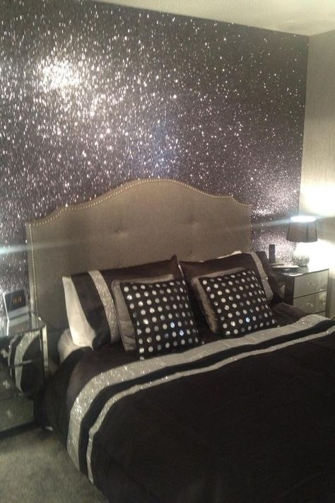 Black and Silver #Glitterwallpaper used here in a bedroom project. Over 70+ colours of #glitterwallcovering can be found by clicking through..