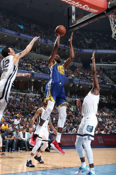 Kevin Durant Of The Golden State Warriors Shoots Jumper In The Paint