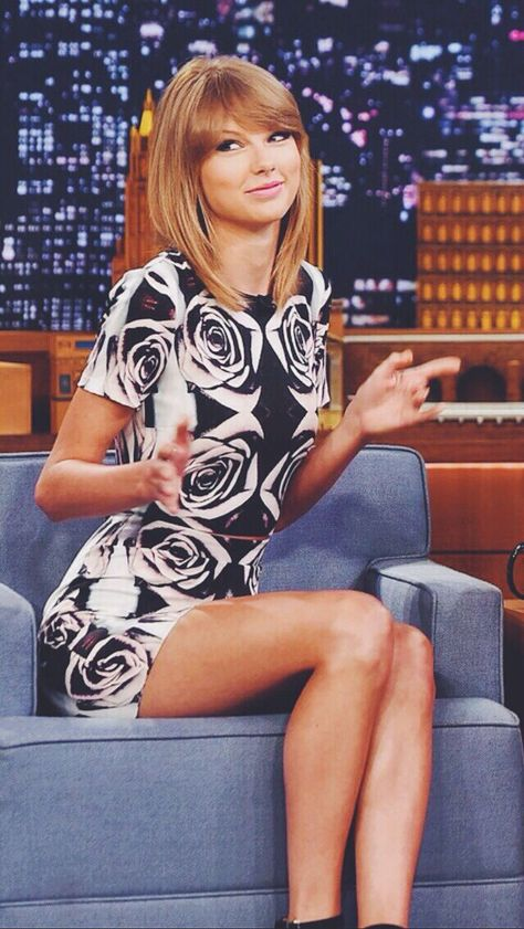 infp celebrity, pretty celebrities, celebrity makeup looks. wedding makeup looks. Taylor Swift on The Tonight Show Starring Jimmy Fallon