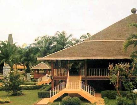 1474dde4201eeb22335d35597fb540f1 traditional house rumah