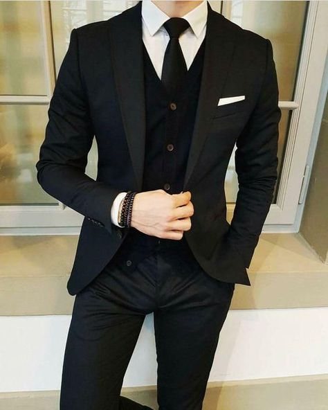 Latest Designs Black Wedding Tuxedos 2019 One Button Shawl Lapel Slim Fit Mens Suits Mens Prom Tuxedos Suits Custom Made Jacket+Pants+Tie Slim Fit Suits Suit… Formal Suits, Men Formal, Mens Prom Tuxedos, Wedding Tuxedos, Mens Fashion Suits, Mens Suits, Mens Slim Fit Suits, Slim Fit Tuxedo, Dress Outfits