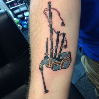This beautifully detailed set of bagpipes. | 24 Unusual, Subtle, And Beautiful Scottish Tattoos