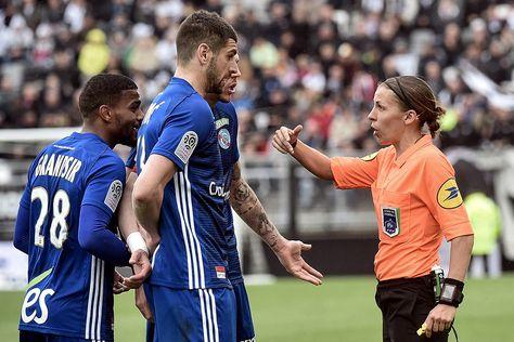 Fernando Amaral FC: A árbitra francesa Stéphanie Frappart será a prime...