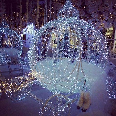 Thema Bruiloften - Thema Winterwonderland - www. Quince Themes, Quince Decorations, Quinceanera Decorations, Wedding Decorations, Quinceanera Ideas, Quince Ideas, Cinderella Quinceanera Themes, Cinderella Wedding, Wedding Themes
