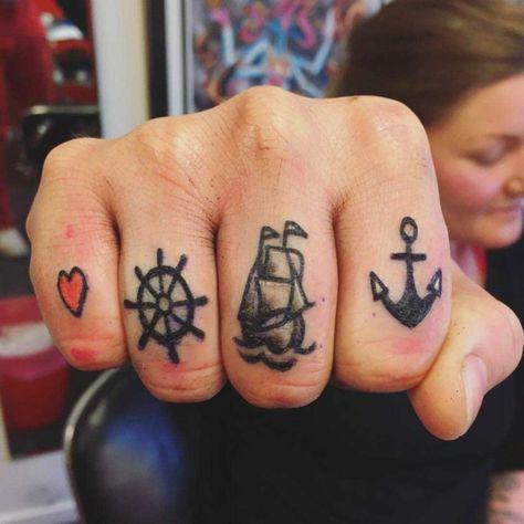 Kreative Meeres-Tattoos voller Stil und Bedeutung #elbrazo #tatuajes #heidiklum #ankertattoo #schiff #tattooideen #kompass #sailor #marinos