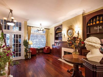 Largest Townhouse In Nyc For Rent Finest Amenities All Five Star Reviews Manhattan Townhouse Home Decor Home
