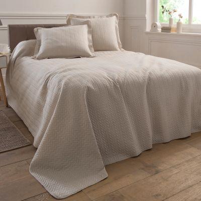 Blancheporte Couvre Lit Matelasse Linge De Maison Decoration Maison Couvre Lit Boutis Jetes De Lit Home Decor Home Furniture
