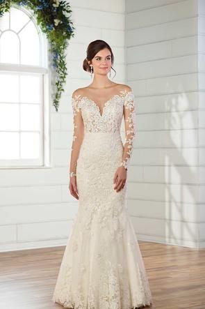 Essense Of Australia 8713 In 2020 Essense Of Australia Wedding