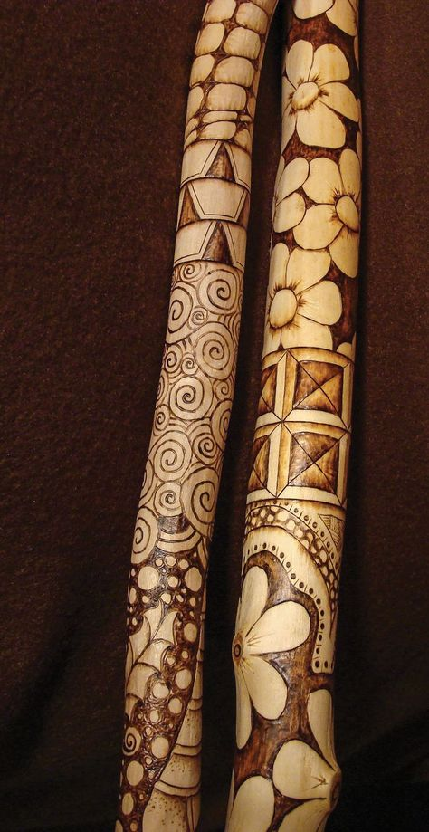 new Ideas for wood carving dremel pattern walking sticks Hand Carved Walking Sticks, Wooden Walking Sticks, Walking Sticks And Canes, Wood Sticks, Painted Sticks, Walking Canes, Wood Carving Patterns, Carving Designs, Wood Patterns