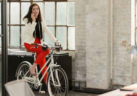 Comparamos Os Figurinos De Anne Hathaway Em O Diabo Veste Prada E