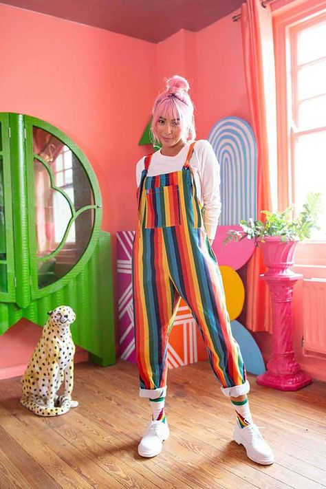 Rainbow Fashion Trends: 7 Outfit Ideas for Women - EverPretty Blog Rainbow Outfit, Rainbow Fashion, Colorful Fashion, Rainbow Clothes, Colourful Outfits, Rainbow Stuff, Rainbow Shoes, Quirky Fashion, Rainbow Colors