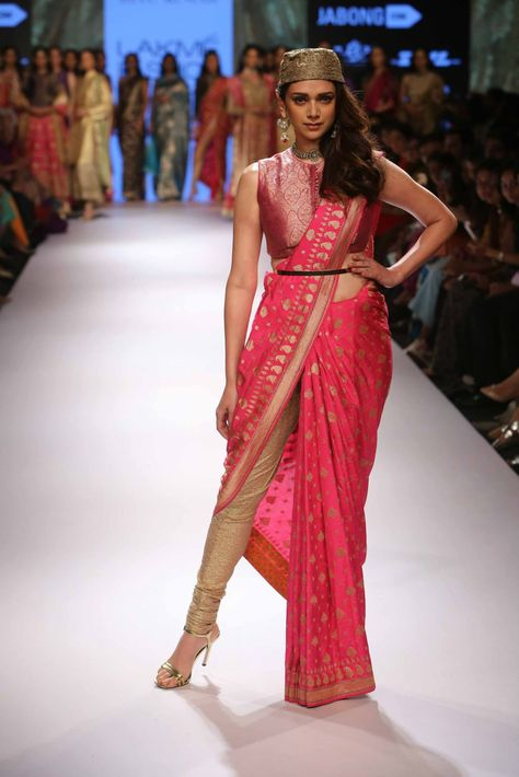 7 Looks From Lakme Fashion Week 2015 That Will Set The Trend - Yahoo Style India