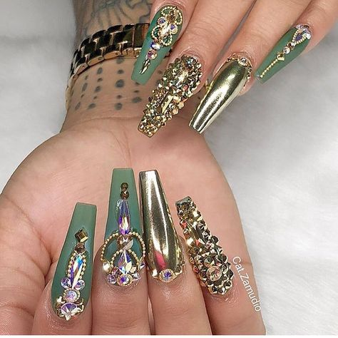 57 decorated nails very easy for you to do! See all 2019- Page 9 of 57 - Nail Designs & Manicure Blog