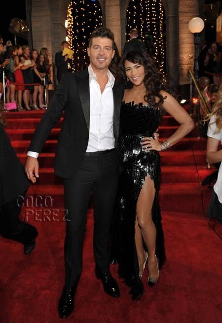 MTV Video Music Awards 2013: Robin Thicke & Paula Patton walk the red carpet