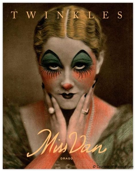 Vintage Meets Modern: A Classic Lifestyle New Look - Popular Vintage Circus Makeup, Scary Clown Makeup, Scary Clowns, Halloween Makeup Looks, Scary Halloween, Halloween Photos, Jester Makeup, Weird Makeup, Ghost Makeup