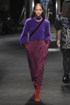 Malera_ Alberta Ferretti Fall 2018 Ready-to-Wear fashion show now on Vogue Runway.