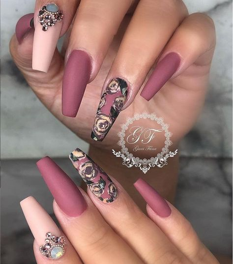 36 Stylish Acrylic Nail Designs for New Year 2019