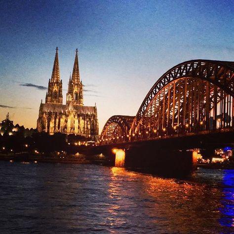 Liebe deine Stadt ❤️ #rhein #rhine #dom #kölsch #köln #koeln #koelnergram #cgn #cologne #urbancgn #igers #colorful #wetter #heimat  #koelnerdom #kölnerdom #igers #liebedeinestadt #travel #heimatliebe #heimat #kölnbloggt #diewocheaufinstagram #ig_nrw #igersgermany #instagramde #cityscape #visualoflife #shoot2kill #explore2create #meindeutschland #huffpostgram