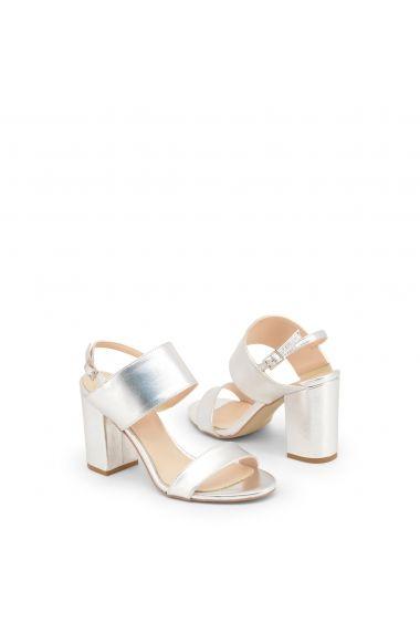 100% autentic preț competitiv vânzări cu ridicata Adaugă Pin pe shoes