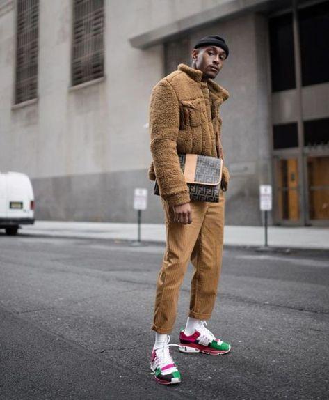 O Homem está usando mais do Bolsa do que nunca – Man Bag and Purse