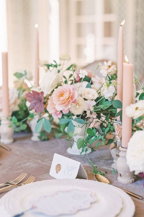 A little blush pink dream. ✨ We could stare at this photo all day, captured to perfection by LBB photographer @laurenfair! 🌸 | #stylemepretty #blushwedding #pinkwedding #weddingflowers #springwedding
