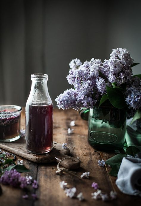 Lilac Syrup The Kitchen Mccabe Recipe In 2020 Edible Flowers Lilac Syrup