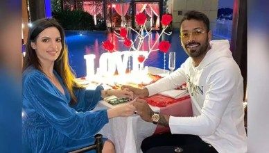 Natasha Stankovic And Hardik Pandya Celebrate Valentines Day With A Romantic Dinner Times Of India In 2020 Love Story Romantic Stories