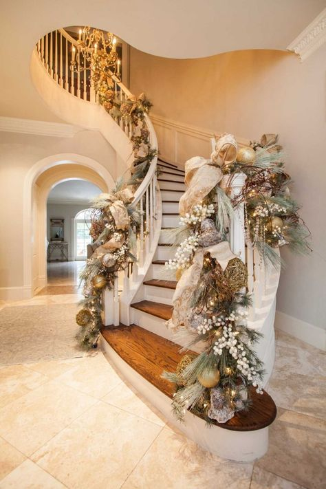 elegant christmas tree Luxe holiday dcor by Houstons go-to seasonal designer - Houston Chronicle Christmas Stairs Decorations, Christmas Mantels, Christmas Home, Christmas Wreaths, Holiday Decorations, Christmas Staircase Garland, Gold Christmas Tree, Table Decorations, Houston