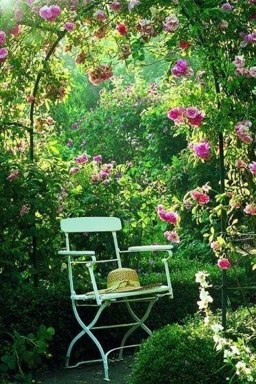 Beauty Outdoor Bench Seat In Flower Garden Gardenbench Outdoorbench Beautiful Gardens Rustic Garden Design Cottage Garden