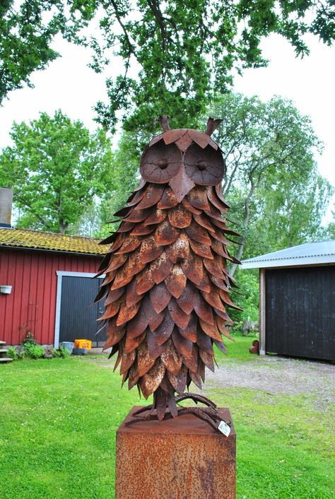 Rusty garden art owl | The Tages garden: July 2014