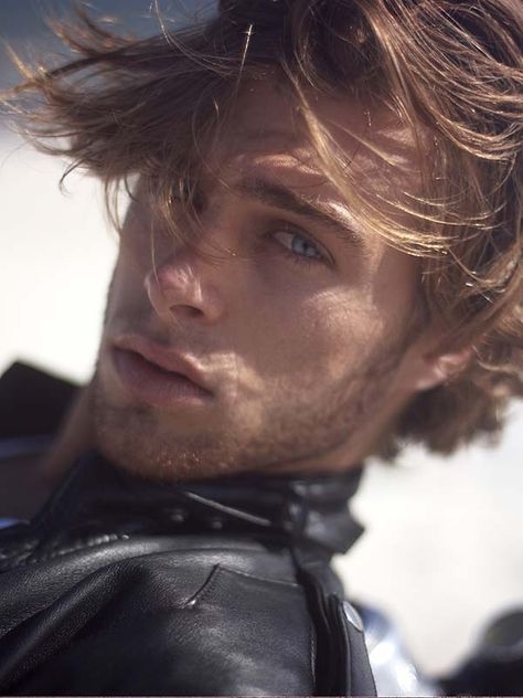 Devin Paisley (Kellan Kyle) he is the most beauifull man ive ever seen, look at that tsuble, those eyes, that hair don't you just want to run your hands through it while he has you pinned up against a wall.. oh my