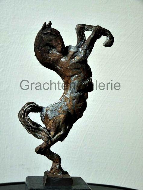 Jeanette Jansen Bronzen Beelden.Proud Trots Jeanette Jansen Brons Beeld Kunst