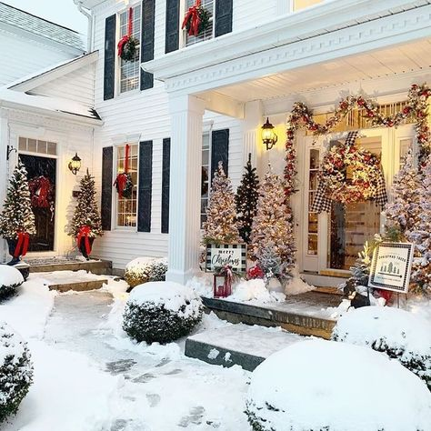 "Holly Jolly Christmas🎄🎁💫 on Instagram: ""This porch and yard at Christmas, so nice ❄☃️❄ 📸 @haverstrawhill . . . . . . . #christmastime #christmas #christmasideas #christmastree…"""