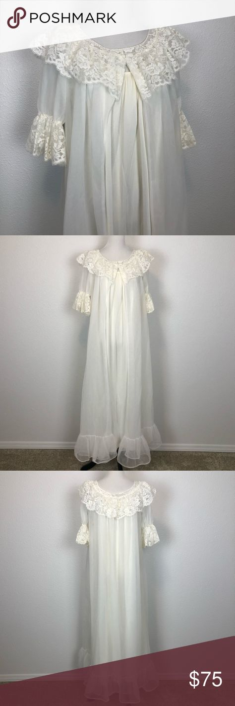 1b1e2eaf28b Vintage Miss Elaine 60s 70s Peignoir Set Ivory M Vintage Miss Elaine 1960s  1970s ivory lace