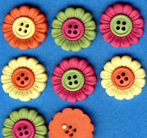 BEACH BLOOMS Bright Flower Spring Summer Novelty Dress It Up Craft Buttons
