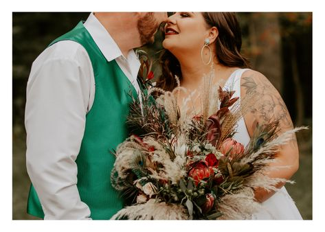 From the insanely gorgeous bouquets (Can't stop thinking about them!), to the ceremony and reception decor, to the colors (Screaming fall!), to the bride (I MEAN … all the heart eyes!!! #MissouriWedding #WeddingDetails #WeddingInspo #WeddingFlorals #WeddingPortraits #WeddingDress #BrideandGroomPortraits #WeddingMakeup #WeddingHairstyles #WeddingInpsiration #BohoChicWedding #BohoWedding